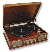 Steepletone Norwich 2 - Retro Record Player with radio, Light or Dark Oak